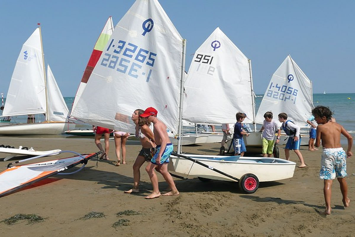 Sailing school at the beach in Lignano